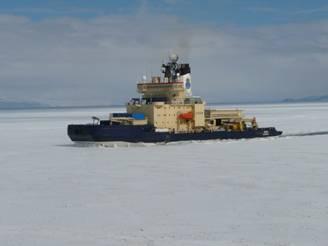 Ice breaker Oden at McMurdo0006.jpg